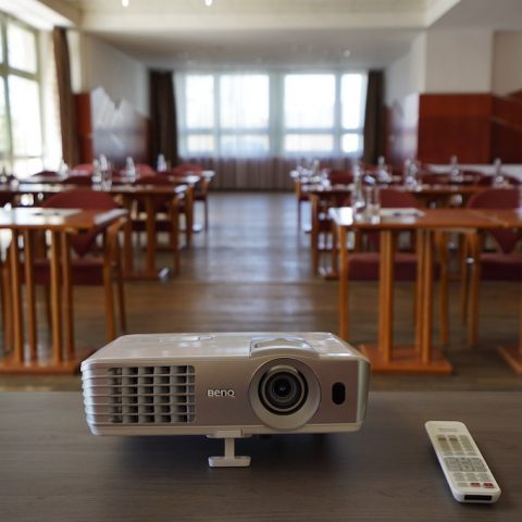 Konferencie foto pri texte